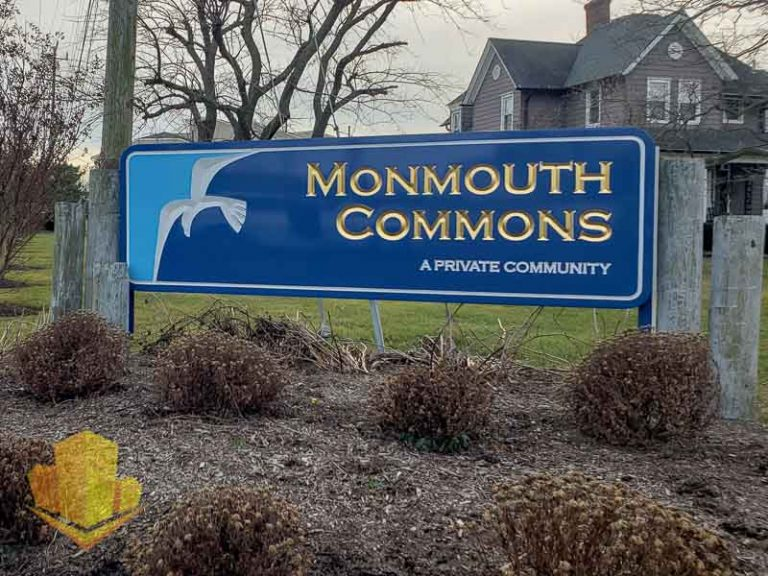 Monmouth Commons Entrance Sign