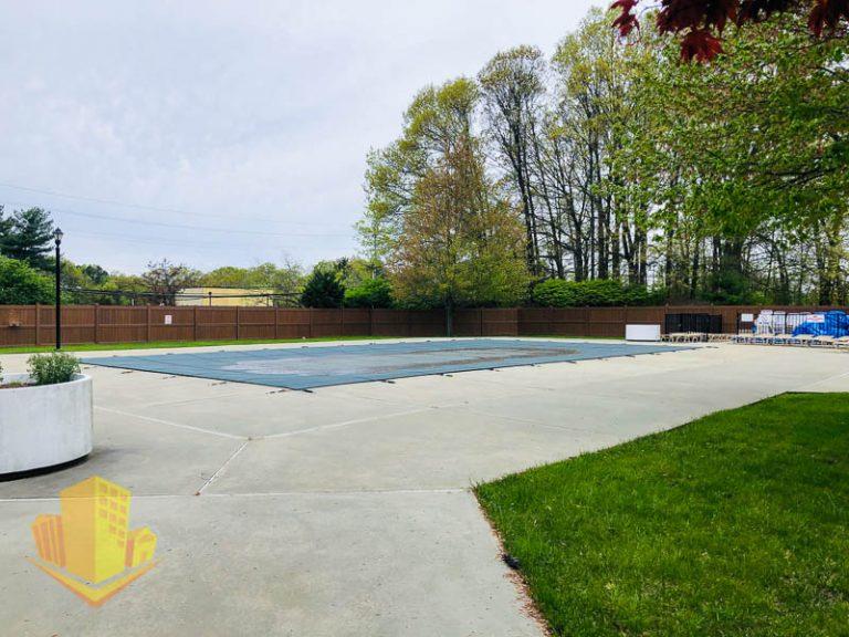 Wyndham Place Community Pool