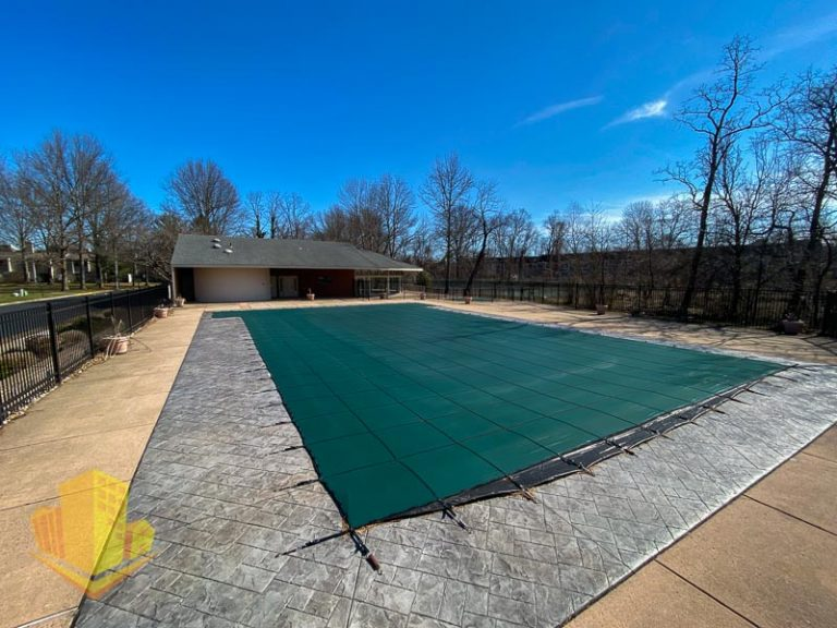 Winding Brook Outdoor Pool