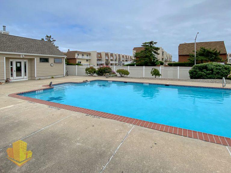 Chris Land Community Pool