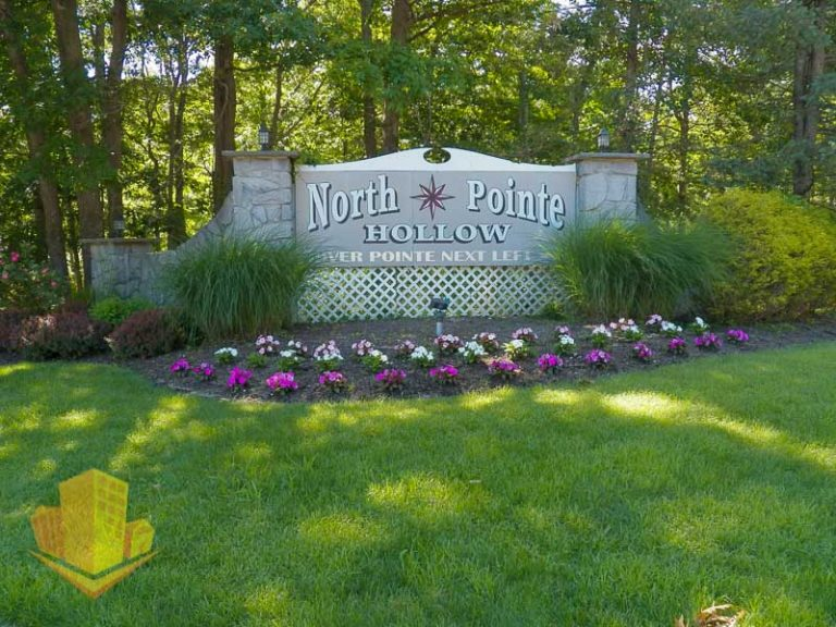 North Pointe Hollow Entrance Sign